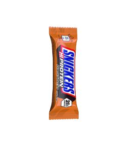 1 pouch of Snickers HiProtein bar with Peanut Butter falvour with 20g protein shown in white background
